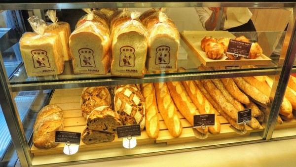 asanoya-bakery-serves-artisanal-japanese-bakery-with-matcha-love-artisanal-bread