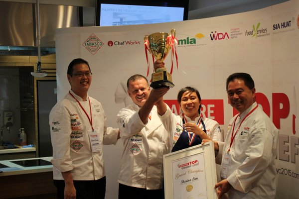champion Sherine Lim with Elvin Chew, Rick Stephen and Edmund Toh (l to r)