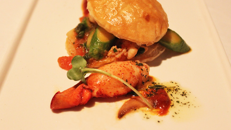 lighthouse-fullerton-hotel-festive-menu-lobster-and-asparagus-casserole-with-puff-pastry