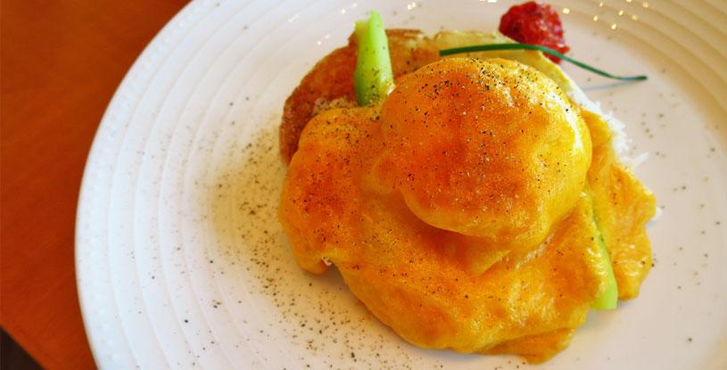 hotels-in-tokyo-mandarin-oriental-tokyo-kshiki-crab-meat-eggs-benedict