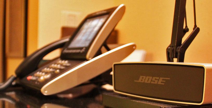 hotels-in-tokyo-mandarin-oriental-tokyo-room-amenities-bose-speaker