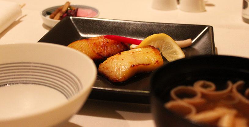 hotels-in-tokyo-mandarin-oriental-tokyo-room-service