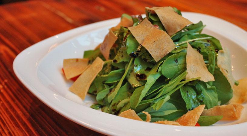 restaurants-in-bangkok-ogu-ogu-sake-bar-salad
