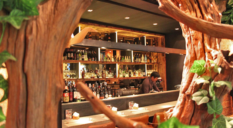 restaurants-in-bangkok-ogu-ogu-sake-japanese-inspired-interior
