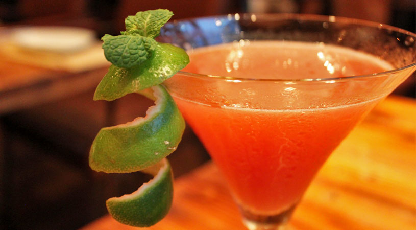 restaurants-in-bangkok-ogu-ogu-sake-passionfruit-martini