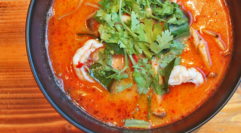 restaurants-in-bangkok-ogu-ogu-sake-tom-yum-soba