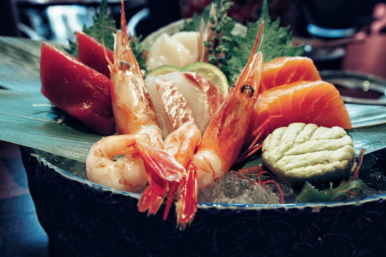 places-to-eat-in-bangkok-modern-japanese-cuisine-at-kom-ba-wa-chef-sashimi-salad.jpg