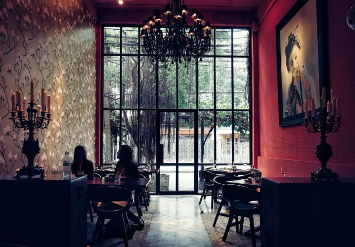 places-to-eat-in-bangkok-modern-japanese-cuisine-at-kom-ba-wa-funky-and-arty-atmosphere.jpg