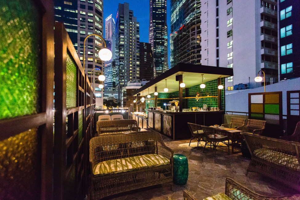 singapore-bar-about-chinese-themed-tapas-and-cocktails-sum-yi-tai-private-rooftop-bar