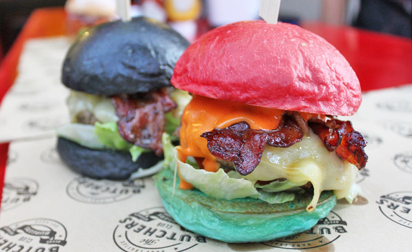 butchers-club-burger-singapore-superman-vs-batman-superman-burger