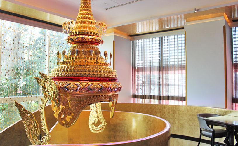 osha-bangkok-thai-restaurant-wireless-road-interior-giant-headdress