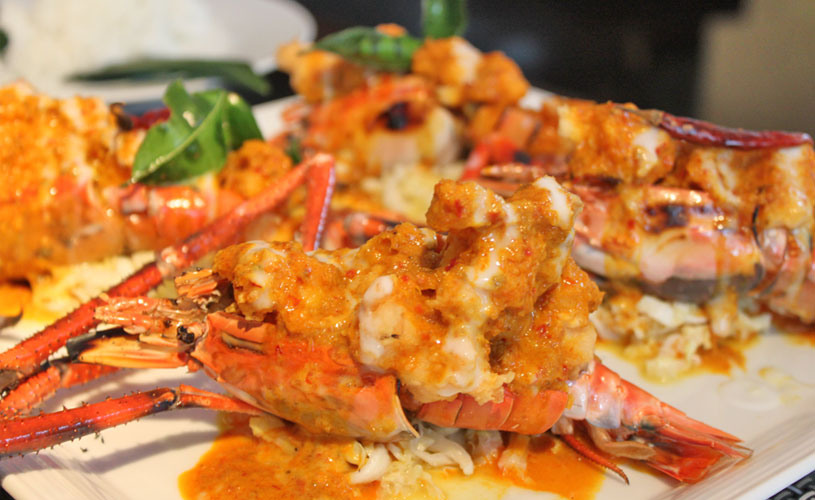 osha-bangkok-thai-restaurant-wireless-road-red-curry-river-prawns