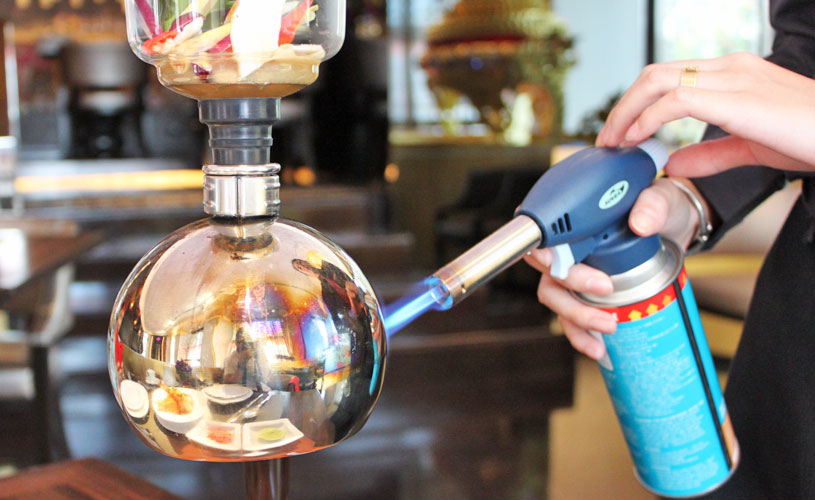 osha-sbangkok-thai-restaurant-wireless-road-seafood-tom-yam-coffee-extractor