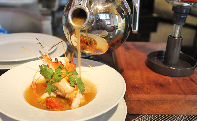 osha-bangkok-thai-restaurant-wireless-road-seafood-tom-yam