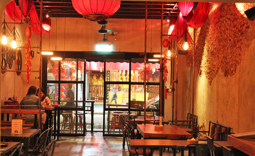 telok-ayer-street-fu-lin-bar-and-kitchen-bar-interior
