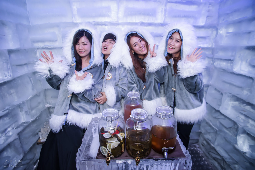 thinking-of-what-to-do-in-bangkok-at-night-you-have-to-visit-bon-bon-ice-room