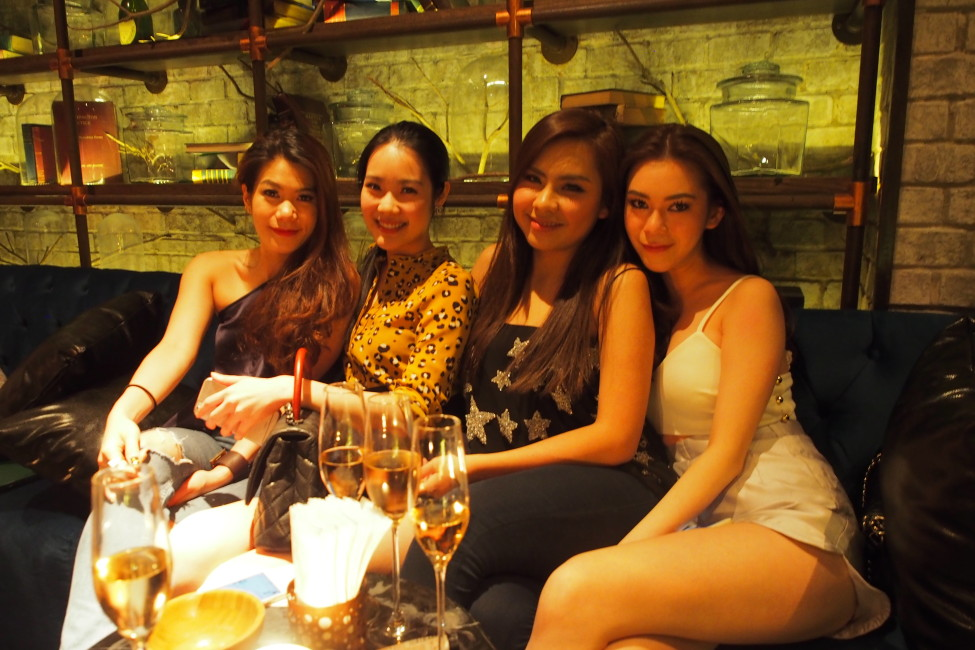 rabbit-hole-thonglor-welcomes-the-most-happening-speakeasy-bar-guests