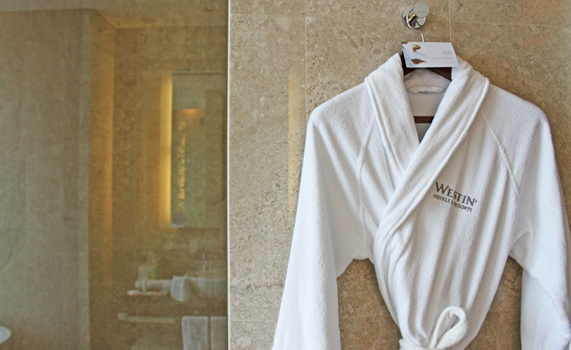 the-westin-singapore-staycation-bathroom-bathrobe