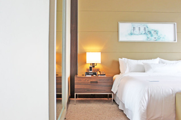 westin-singapore-staycation-bayview-room-heavenly-bed-preview
