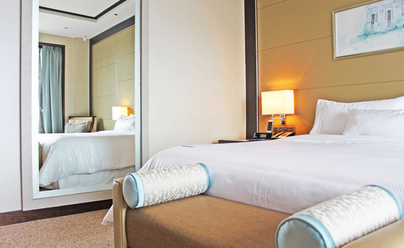 the-westin-singapore-staycation-bayview-room-heavenly-bed