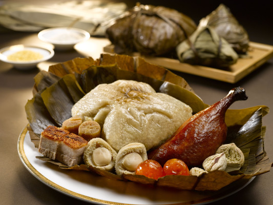 6-legendary-bak-chang-to-celebrate-dragon-boat-festival-Glutinous Rice Dumpling with Abalone and Golden Dried Scallops (1)