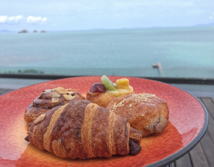 intercontinental-samui-the-one-resort-holiday-in-asia-you-should-go-for-breakfast-with-view.jpg
