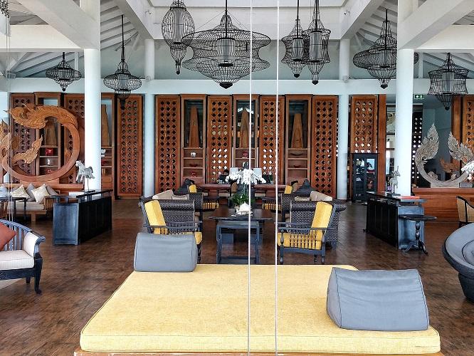 intercontinental-samui-the-one-resort-holiday-in-asia-you-should-go-for-colonial-lounge