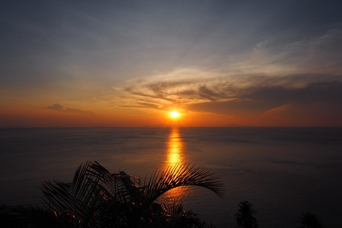 intercontinental-samui-the-one-resort-holiday-in-asia-you-should-go-for-sunset.jpg