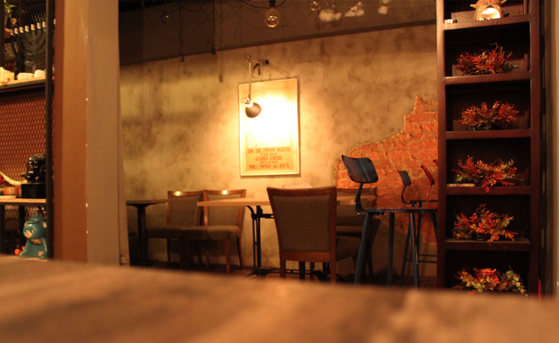 roots-kitchen-and-bar-little-india-interior-decor