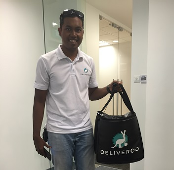 a-3-brand-showdown-deliveroo-versus-ubereats-versus-foodpanda-deliveroo-man