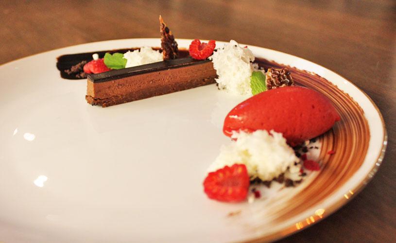 chefs-table-by-stephan-zoisl-tras-street-dessert-nougatine-bar