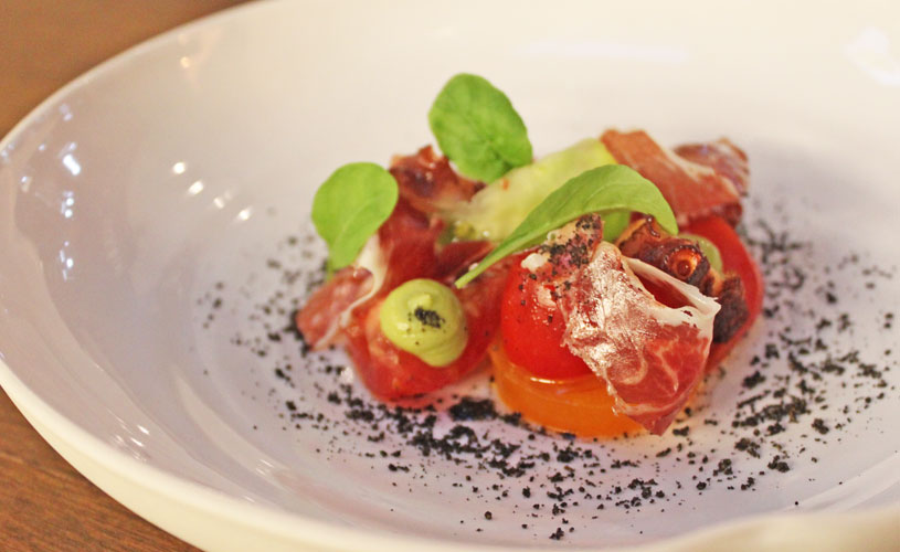 chefs-table-by-stephan-zoisl-tras-street-eight-tomato-types