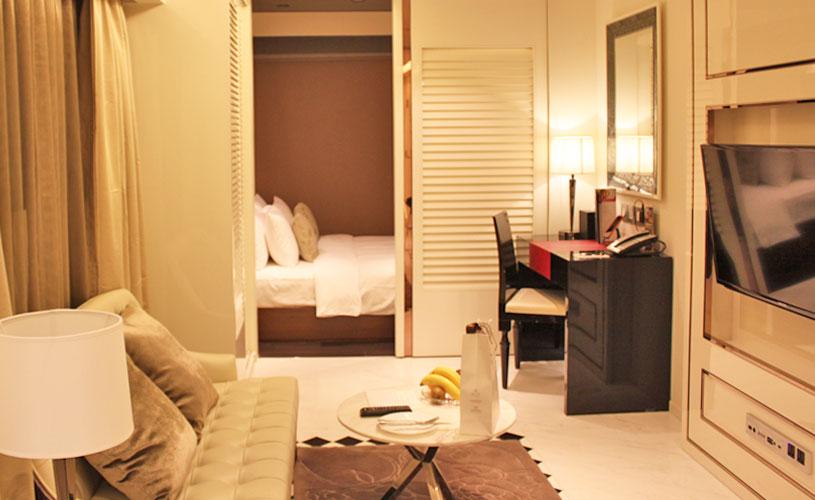 hotel-pravo-tsim-sha-tsui-premier-suite-interior-living-area