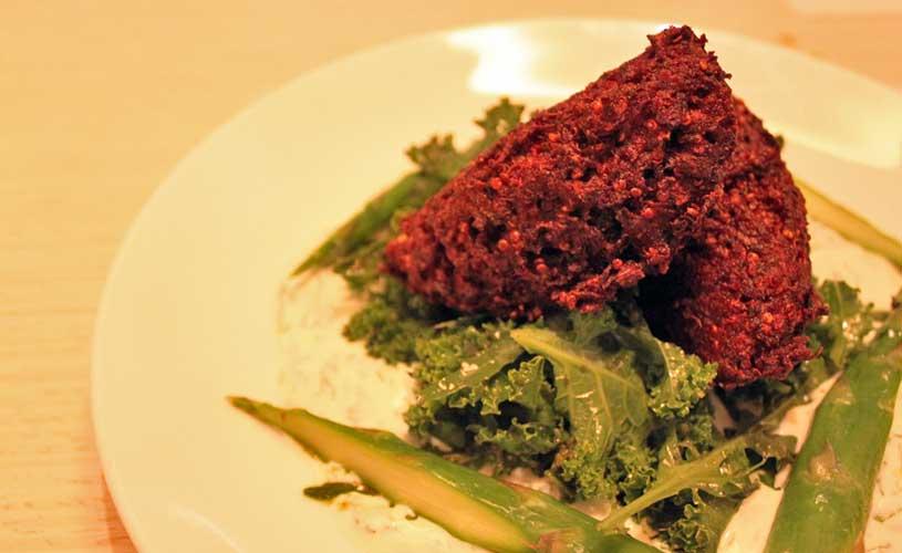 luxe-singapore-keong-saik-road-beetroot-falafel-with-kale-and-yoghurt