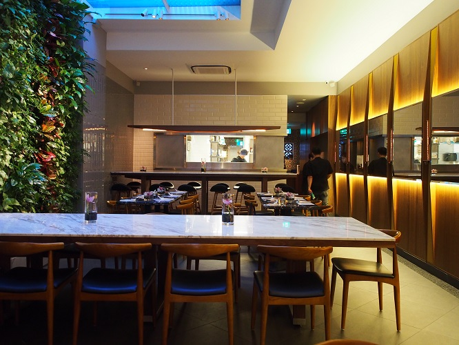 may-may-a-kaleidoscope-of-asian-flavours-awaits-you-interiors.jpg