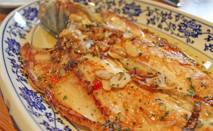 the-optimist-hong-kong-wan-chai-weekend-brunch-restaurant-fresh-whole-sea-bass