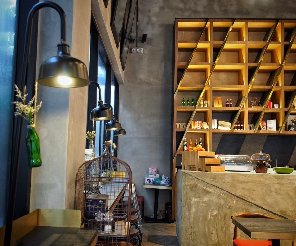 hotel-yan-bringing-industrial-chic-design-to-boutique-hotels-in-tyrwhitt-road-steel-and-wood-and-metal