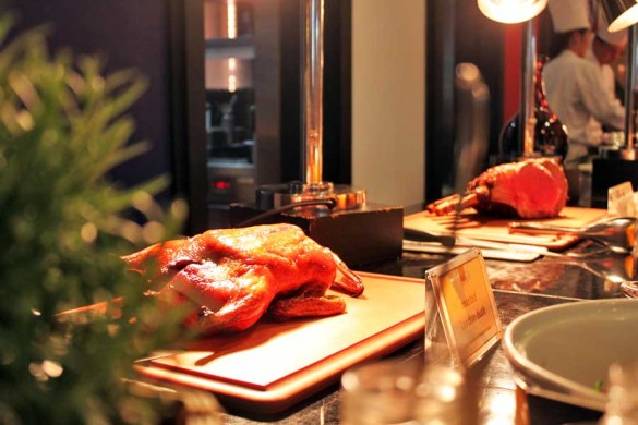 conrad-centennial-oscars-international-buffet-famous-london-duck-preview