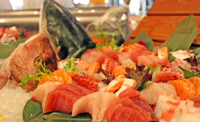 conrad-centennial-oscars-international-buffet-seafood-station-fresh-sashimi