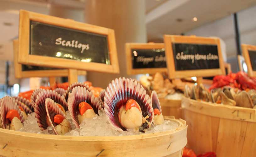 conrad-centennial-oscars-international-buffet-seafood-station-scallops