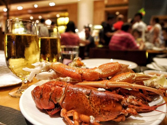 harbourside-intercontinental-hong-kong-best-seafood-buffet-in-tsim-sha-tsui-lobster.jpg