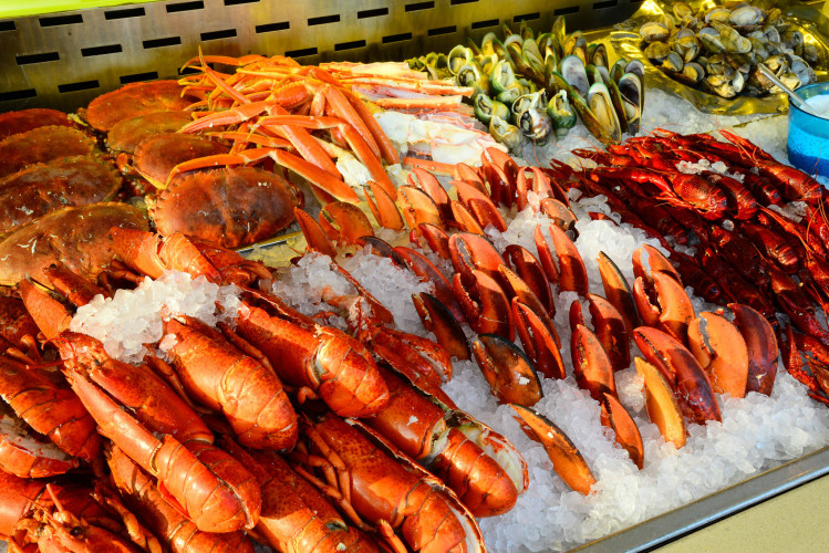 harbourside-intercontinental-hong-kong-best-seafood-buffet-in-tsim-sha-tsui-lobsters