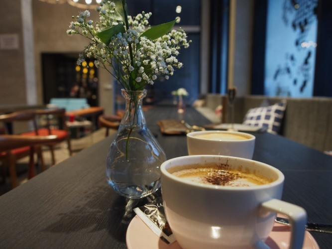 hotel-yan-bringing-industrial-chic-design-to-boutique-hotels-in-tyrwhitt-road-coffee-e1465917422684.jpg