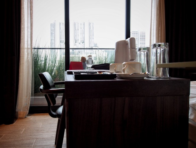hotel-yan-bringing-industrial-chic-design-to-boutique-hotels-in-tyrwhitt-road-study-e1465917070724.jpg