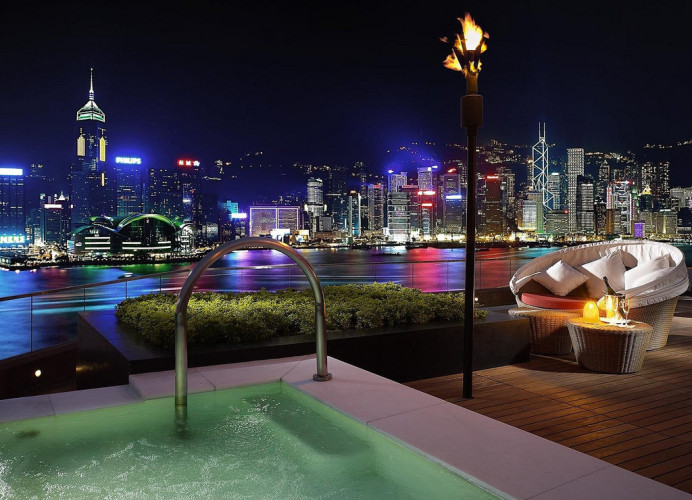 where-to-stay-in-hong-kong-a-perfect-harbour-view-at-intercontinental-hong-kong-terrace.jpg