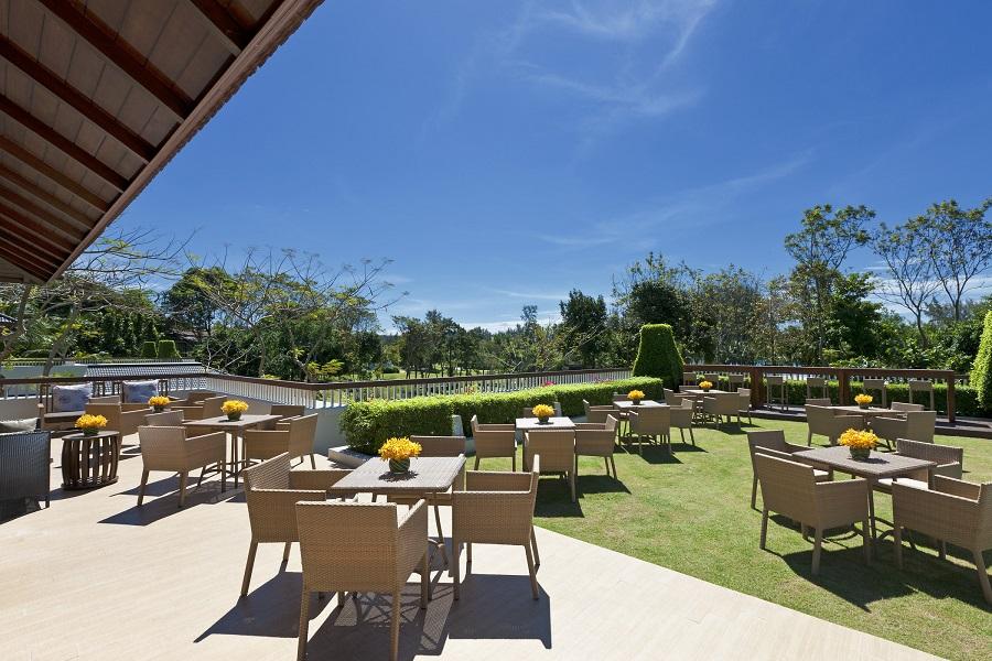 dusit-thani-krabi-resort-krabi-beach-hotel-pristine-white-sand-club-lounge-outdoor.jpg
