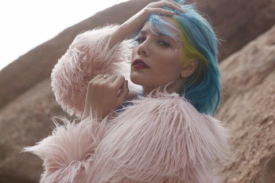 halsey-imagine-dragons-perform-singapore-grand-prix-2016-Halsey