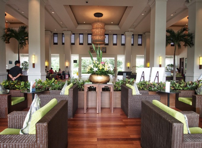 le-meridien-angkor-its-lush-green-and-packed-with-cambodian-style-lobby 2.jpg