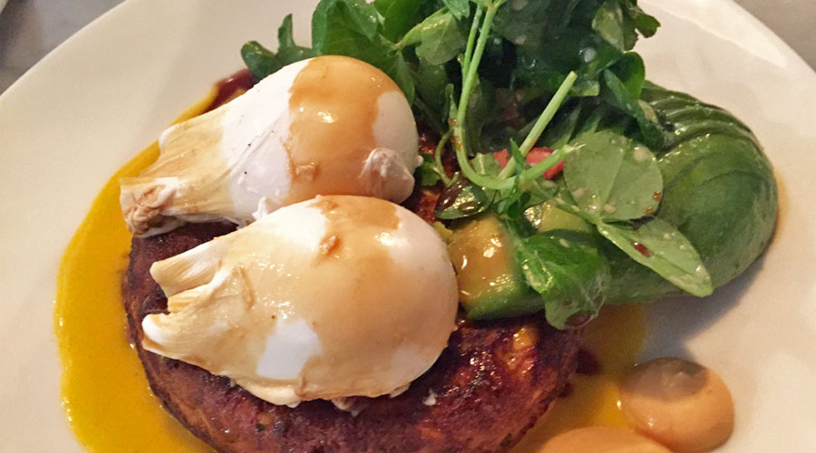things-to-do-in-melbourne-australia-amazing-brunches-eggs-benedict