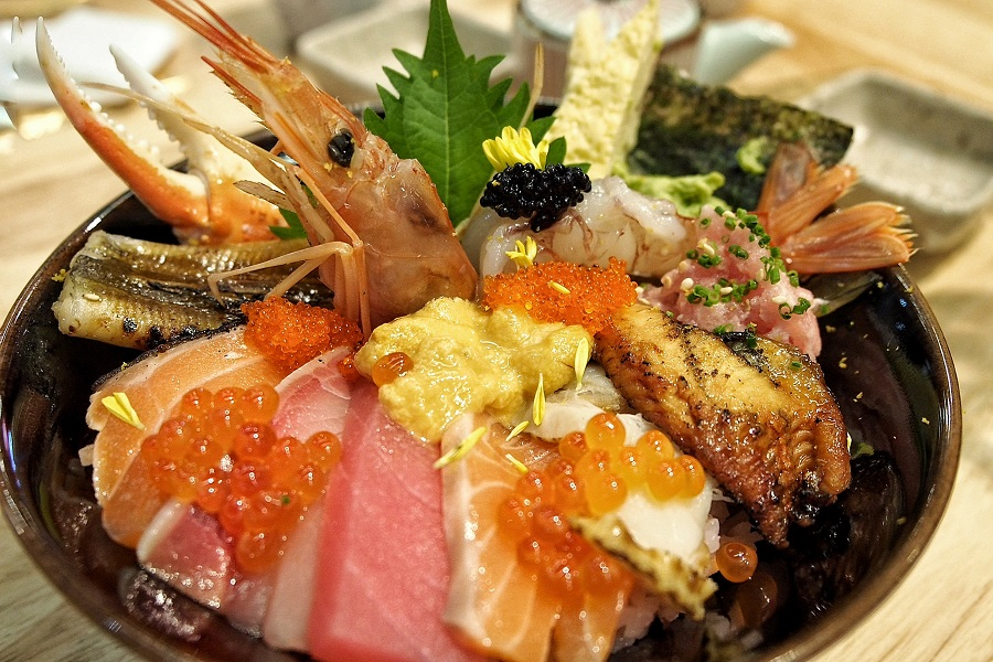 en-sakaba-japanese-rice-bowls-that-will-make-Japanese-proud-en-kaisen-chirashi.jpg